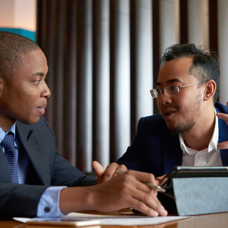 business-meeting-75DF2N6.jpg